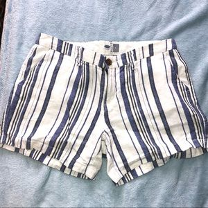 Old navy patterned shorts